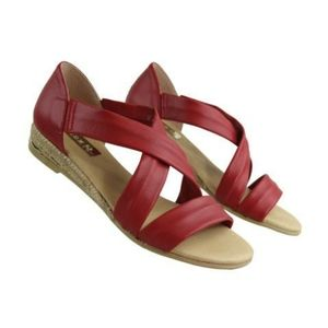 Eric Michael leather espadrille sandal red sz 6